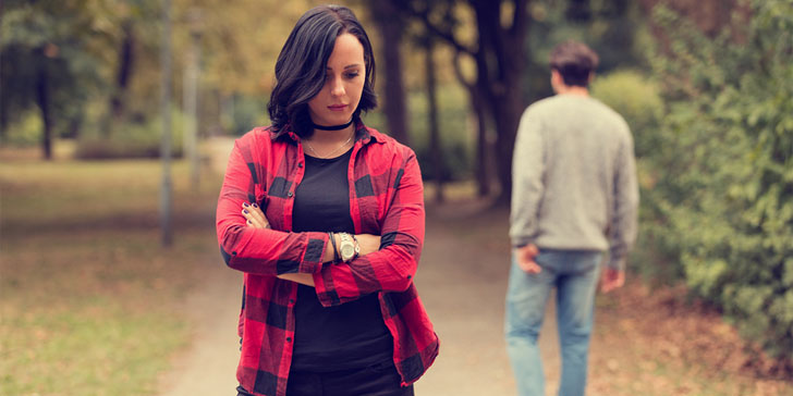 9 Signs That He Has Not Moved On After The Breakup